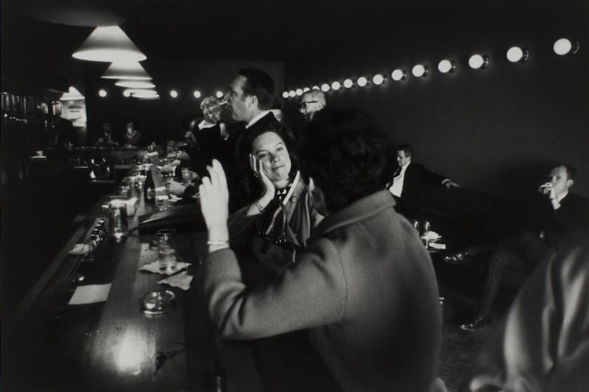 Garry Winogrand. La Guardia Airport, New York, 1968.