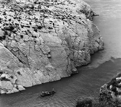 Linda Butler, Limestone Precipice, Qingshi, 2001