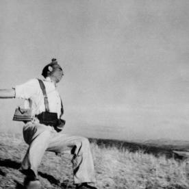 Robert Capa / Magnum Photos, Death of a loyalist militiaman.