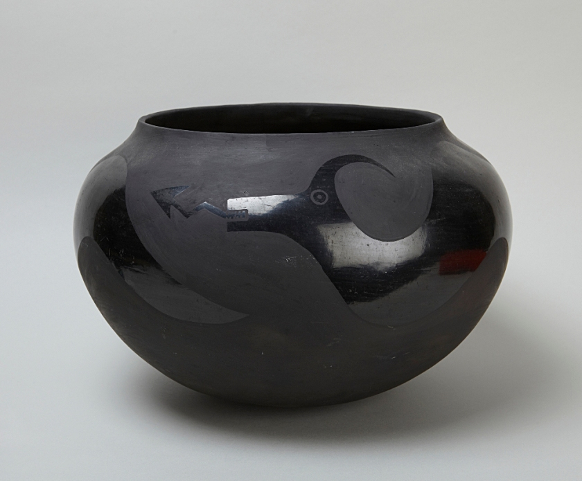 Maria Martinez. Jar decorated with Avanyu (water serpent), 1919–20