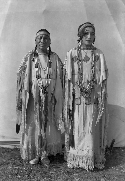 "Horace Poolaw, ""Sindy Libby Keahbone (Kiowa) and Hannah Keahbone (Kiowa),"" Oklahoma City, Oklahoma, 1930."