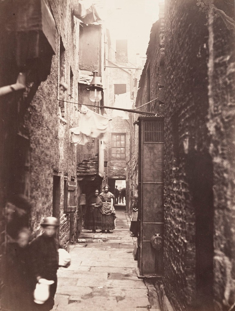 Close, No. 37 High Street, negative 1868-71; print 1871, Thomas Annan